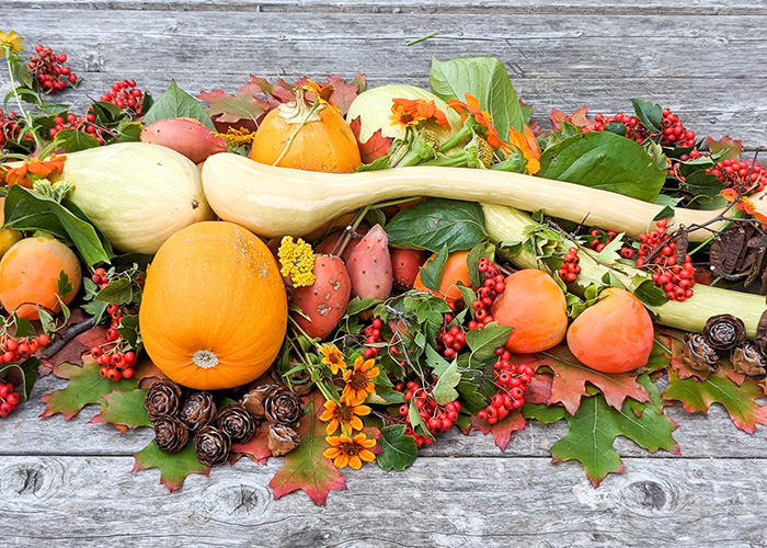 Foraging for Your Thanksgiving Tablescape